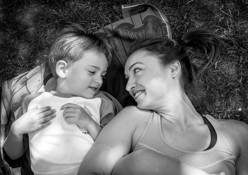 Siestas en familia en Verneda camping Mountain Resort