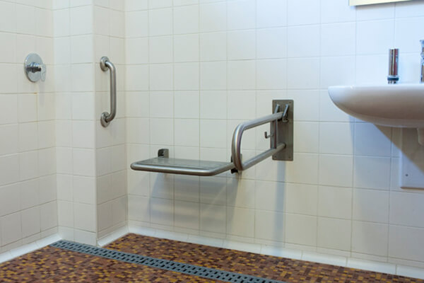 WC and showers adapted for the disabled